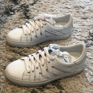 Shoes - PS821 Sneakers